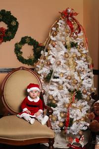 Addie_2012_Christmas007