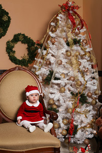 Addie_2012_Christmas010