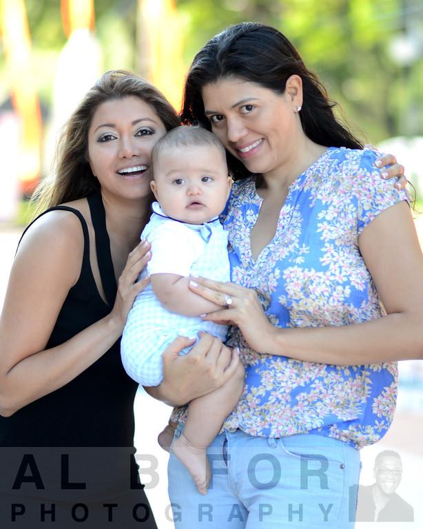 Aug 14, 2013 Maria Hidalgo with sister Fatima Binns & baby James