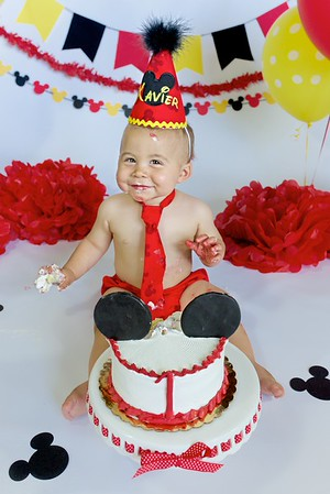 Xavier's First Birthday Cake Smash