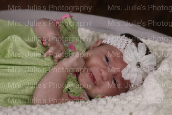 Briella at 4 weeks