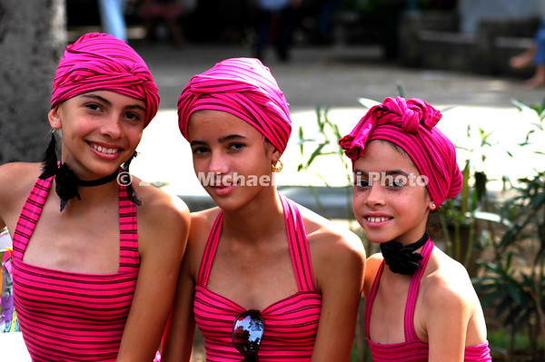 Three Cuban sisters EPV0794