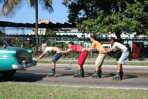 Cuban_Street_Skaters