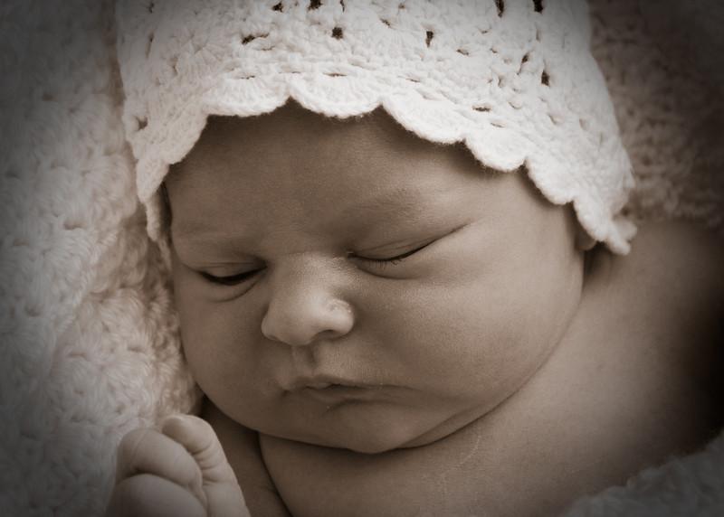 Charlotte Sepia White Hat