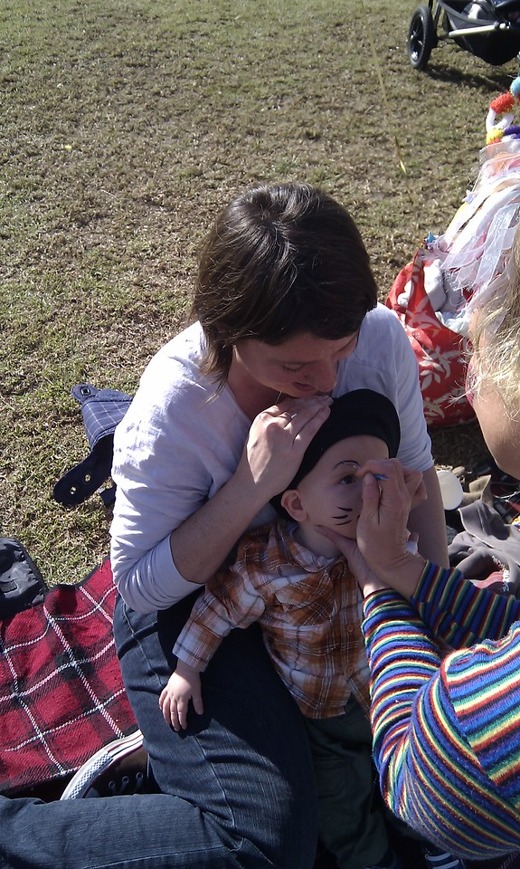 Louis getting his face painted