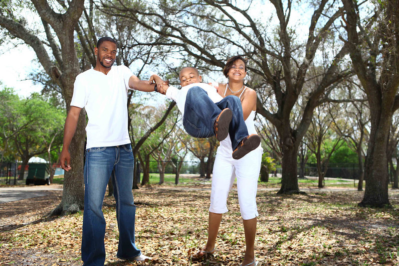 Lifestyle; Engagement; Family Portraits