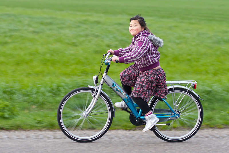 Jantine op haar nieuwe fiets.