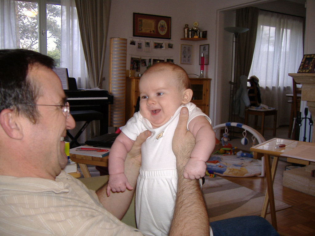 011 Giggles with Daddy
