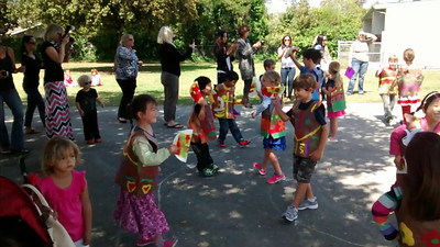 Cinco de mayo dancing kindergarten