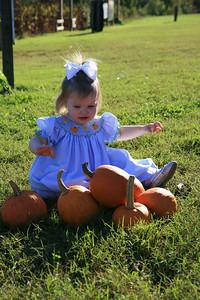 Kayce at Orchard Oct 2009 (48)