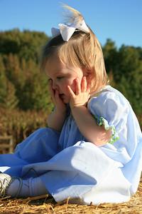 Kayce at Orchard Oct 2009 (43)