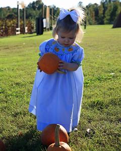 Kayce at Orchard Oct 2009 (46)