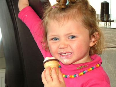 """""""Eyuna"""" Mmm... lekker ijsje!"""