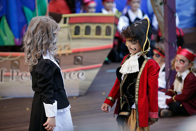 Killian Pirate Play-7