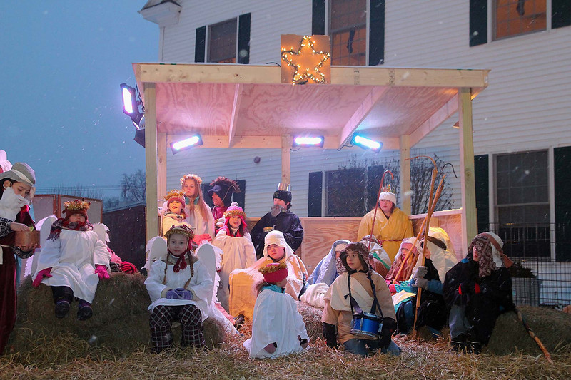 The Townsend Congregational Church's Sunday School program put on a live Nativity behind the church on Saturday afternoon. SENTINEL & ENTERPRISE/ JOHN LOVE