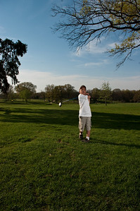 090424-Louis golf-2002