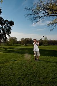 090424-Louis golf-2000