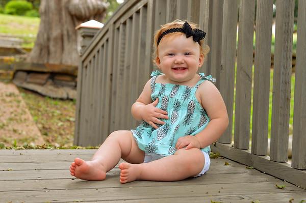 Mia (11 months)