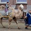 Jantine op de kameel.