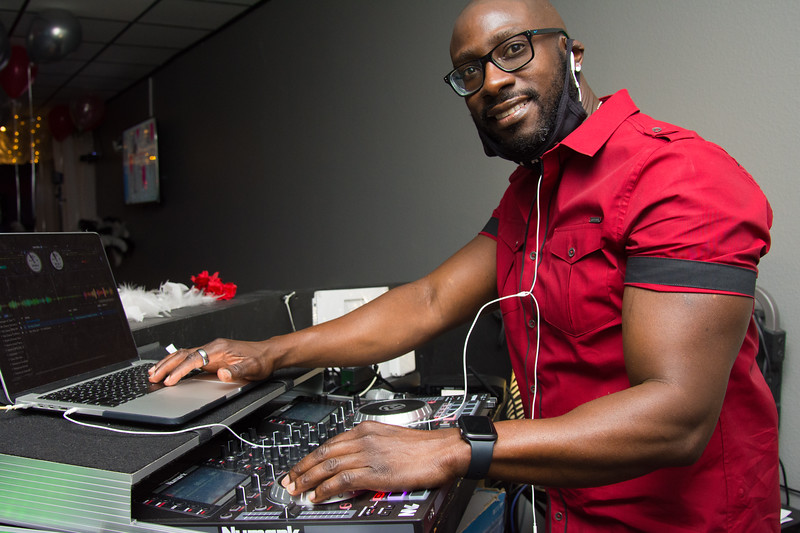DJ ODizzle enjoys playing all genres of music from Hip-Hop and R&B, Reggae,  and Salsa.  Call 813-330-0104 to book him for your wedding or party today!