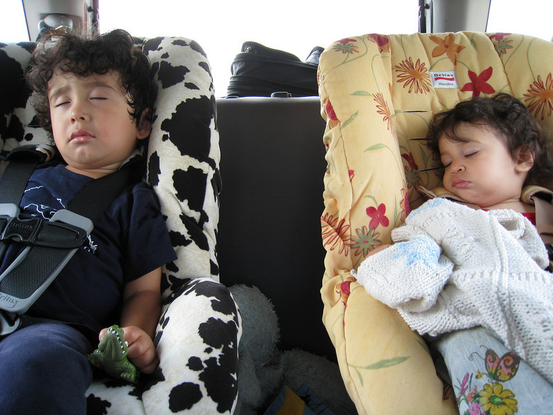 Jaden and Cyane snoozing from Montreal to Quebec.