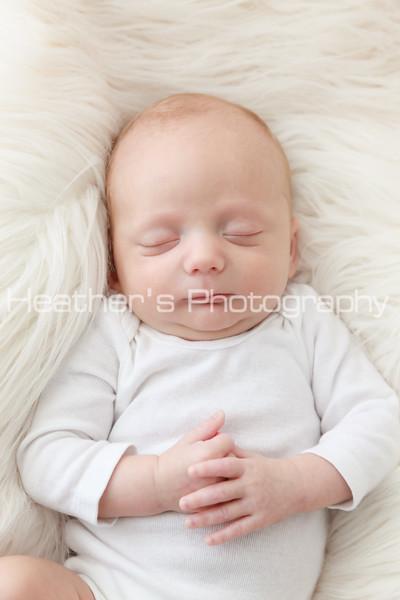 Roger's Newborn Photos_002