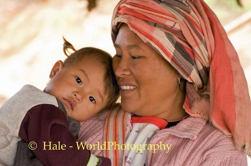 Little Lisu Girl With Mother