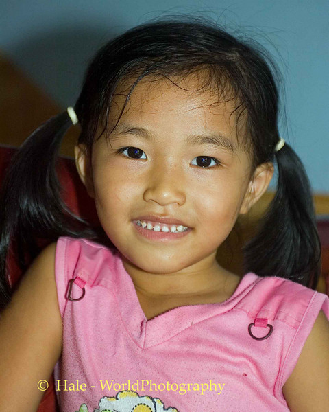 Quan Lan Island Shop Keeper's Daughter