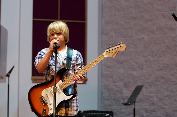 Everest Guitar