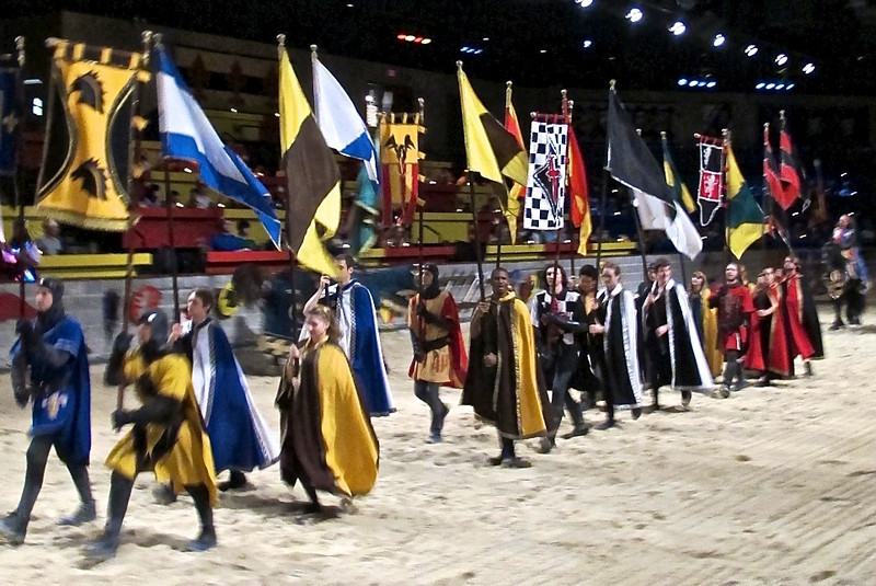 We enjoyed a medieval-tjhemed dinner and show with horses, knights and jousting matches.
