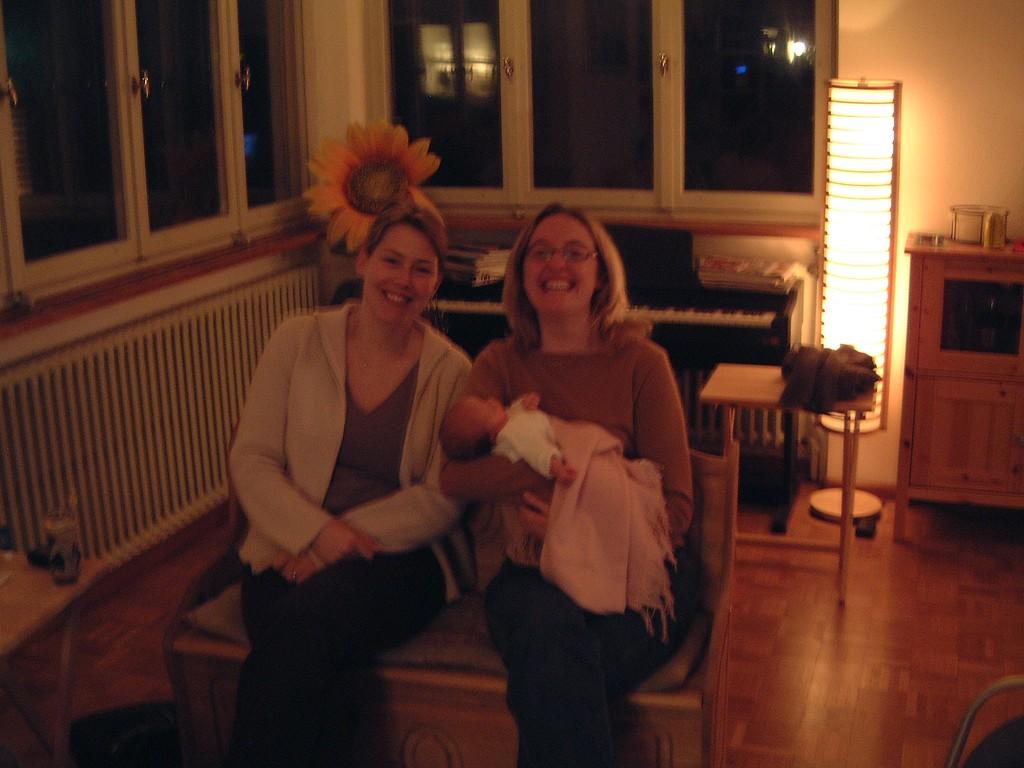 001 Oops a bit blurry - Em Amanda and Sophia