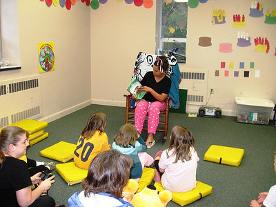 Children's Author-JE Taylor Visits Library
