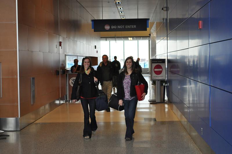 Megan + Kelly arrive from Austin, TX, into Detroit Metro