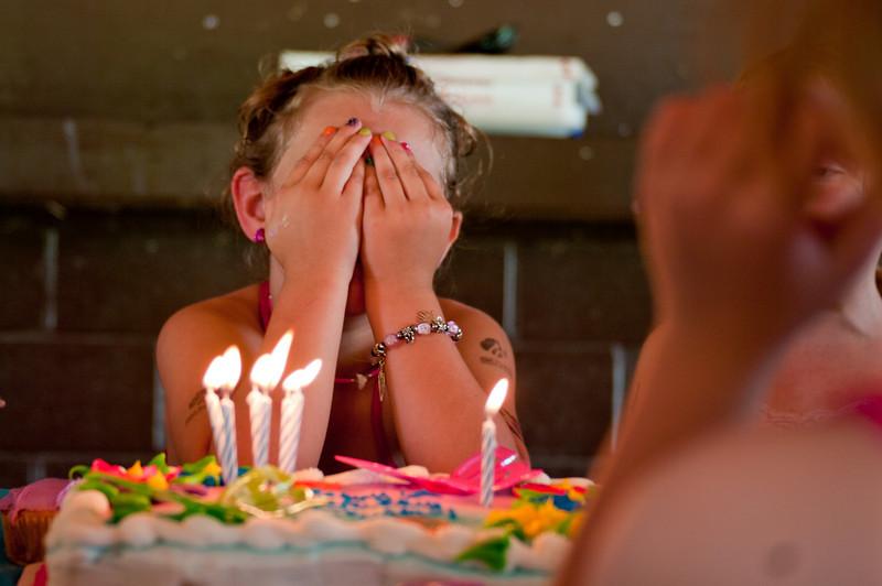 100523-Taylor Birthday-0431
