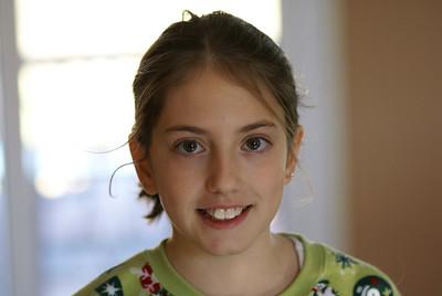 Bea smiling girl Boston un posed beautiful !