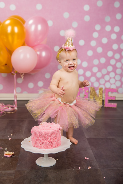Someone enjoyed smashing their cake! We had Braelynn in the studio to celebrate her first birthday!