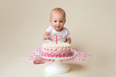 Cincinnati Children Photographer Smash Cake