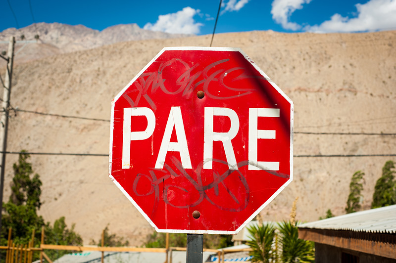 Pare, stop sign, Pisco Elqui, Chile, South America