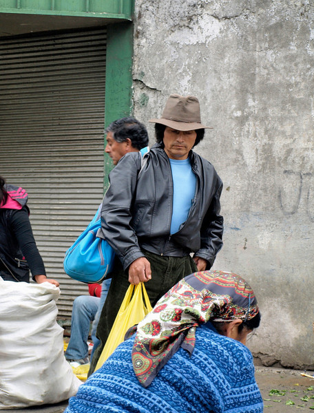 Temuco ~ Mapuche people outside of large market