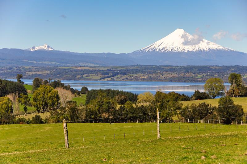 Osorno volcano is Los Lagos