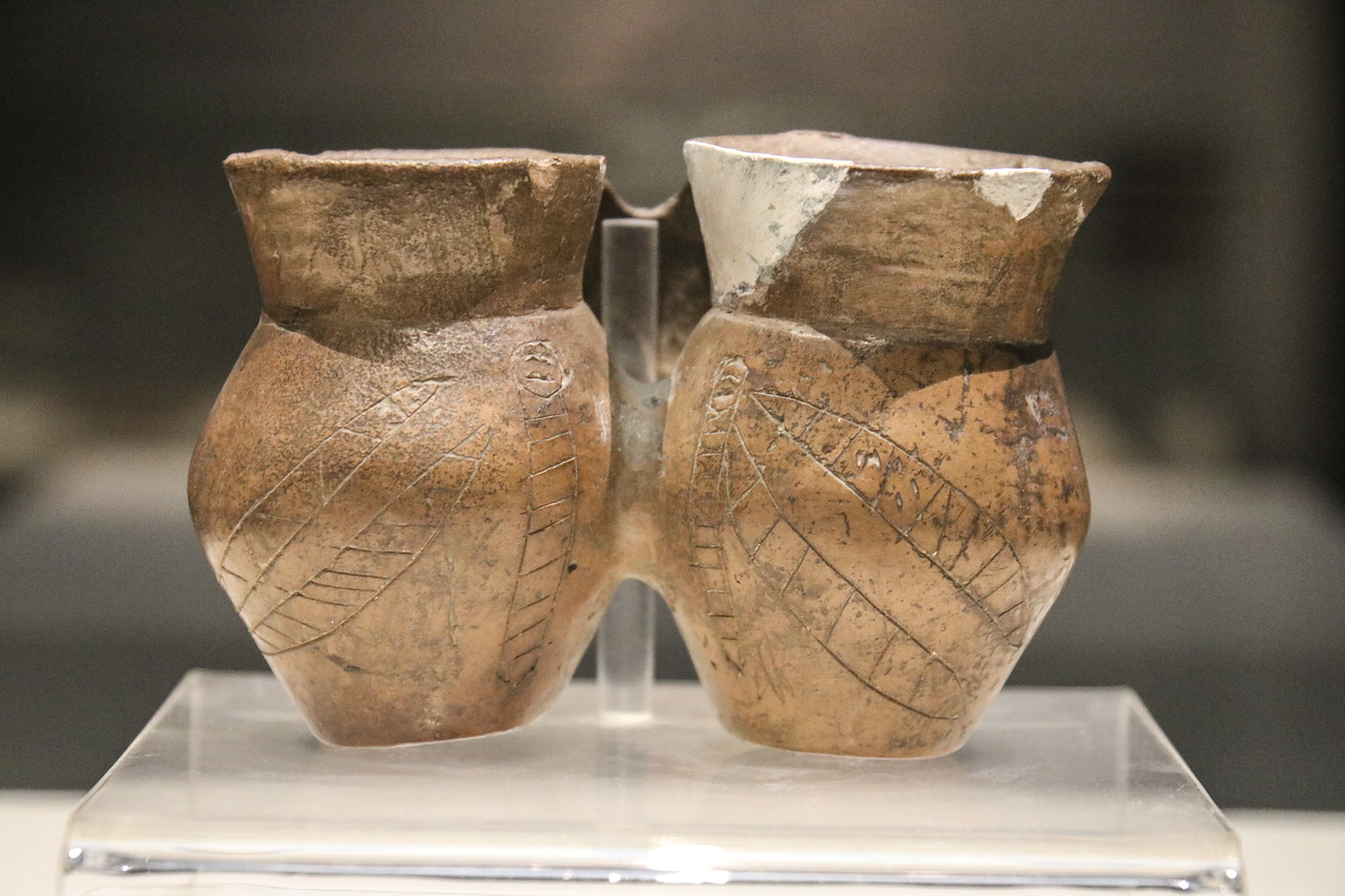 Twin Jar with Silkworm Design (Qijia - 2100-1700 BCE)