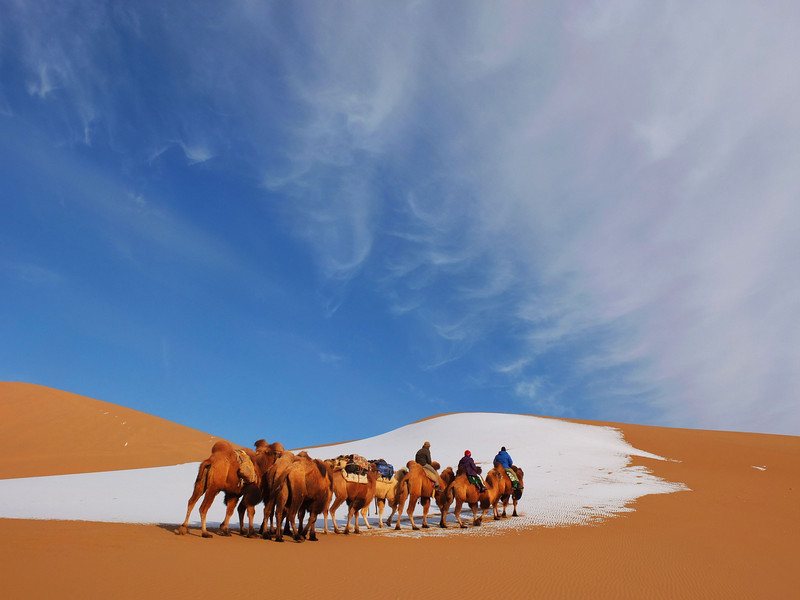 china Adventures - Badain Jaran desert hike