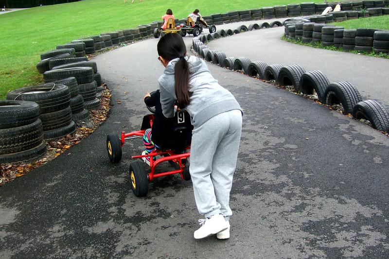 25011 10 02 Yogi Go Carts (5)