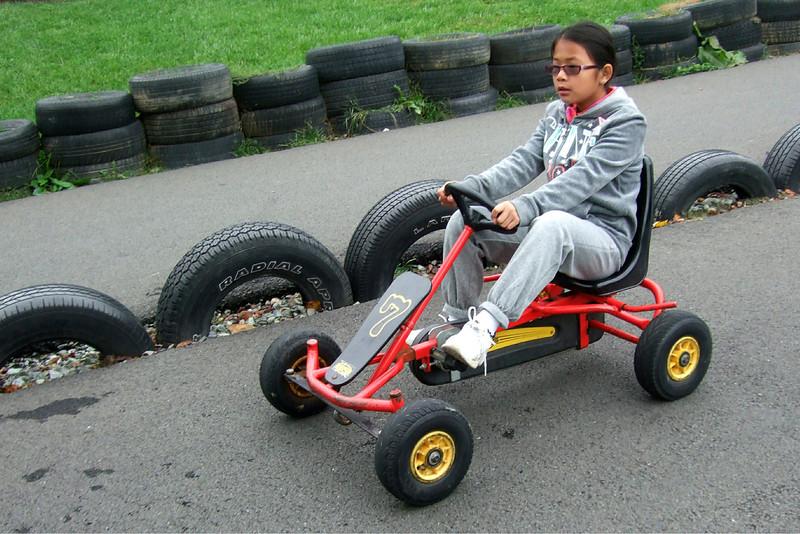 25011 10 02 Yogi Go Carts (4)