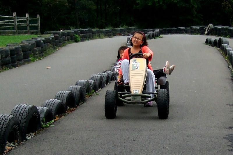 25011 10 02 Yogi Go Carts (2)