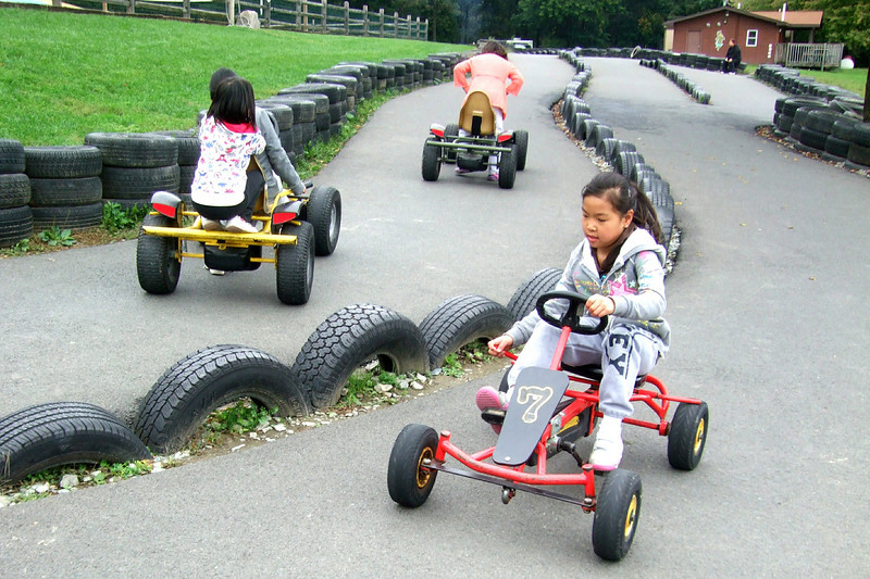 25011 10 02 Yogi Go Carts (7)