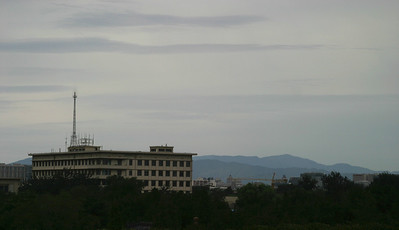 Skyline and mountains, from Tiananmen