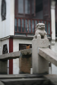 Bridge Lion, Zhou Zhuang Watertown, China
