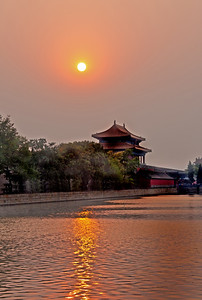 Sunset on the moat of the Summer Palace, China, Sunset on the moat of the Summer Palace, China