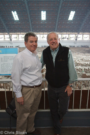 Jim Murphy and Governor Phil Bredesen at Pit 1 at Terra Cotta Warriors Museum at Xian, China (10-23-2009)-13